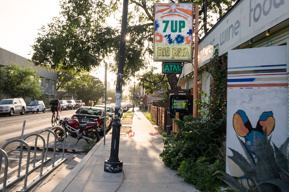 East Austin's East 6th Street is famous for a great bar scene, mixing in a lively, retro vintage vibe with the dozens of new modern contenders.