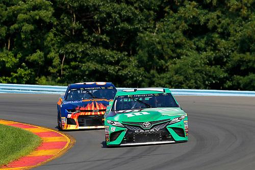 #18: Kyle Busch, Joe Gibbs Racing, Toyota Camry M&M's Flavor Vote Winner and #9: Chase Elliott, Hendrick Motorsports, Chevrolet Camaro SunEnergy1