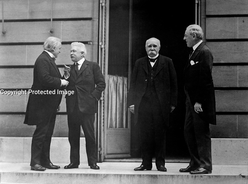 Council of Four of the Peace Conference.  Mr. Lloyd George; Signor Orlando; M. Clemenceau; President Woodrow Wilson.  Hotel Crillon, Paris, France.  May 27, 1919.  Capt. Jackson.  (Army)<br /> NARA FILE #:  111-SC-55456<br /> WAR &amp; CONFLICT BOOK #:  722