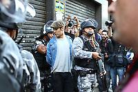CURITIBA, PR, 16.06.2014 -  PROTESTO CONTRA A COPA / CURITIBA -  Aconece na tarde desta segunda-feira (16) pelas ruas de curitiba protesto contra a realização da copa no Brasil. (Foto: Paulo Lisboa / Brazil Photo Press)