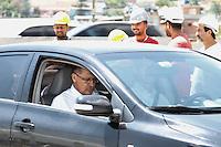 SÃO PAULO, SP, 19.11.13 - INÍCIO DA CONSTRUÇÃO DA ECLUSA DA BARRAGEM DA PENHA. - GERALDO ALCKMIN,<br /> governador de São Paulo, iniciOU nesta terça-feira, 19, às 10h30, a construção da Eclusa da Barragem da Penha. em São Paulo<br /> (Foto: Geovani Velasquez / Brazil Photo Press)