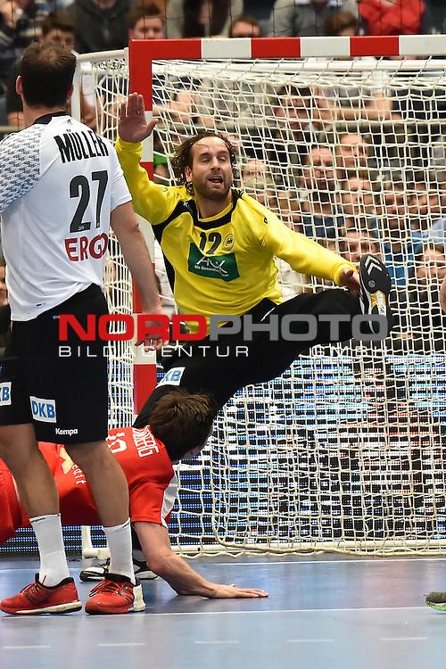 02.04.2016, LANXESS arena, K&ouml;ln , GER, Handball DHB Testl&auml;nderspiel,   Deutschland (GER) vs. D&auml;nemark ( DK) <br /> <br /> im Bild / picture shows: <br /> <br /> Silvio Heinevetter ( Deutschland/Germany #12) und Michael M&uuml;ller/Mueller ( Deutschland/Germany #27)<br /> <br /> <br /> Foto &copy; nordphoto / meuter