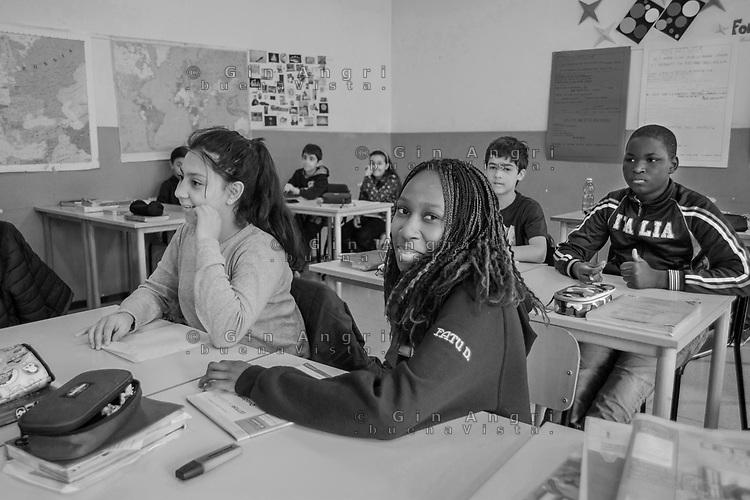 scuola elementare di Breccia , Como. Alunni di 29 nazionalità diverse, ius soli