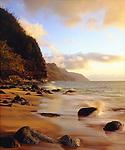 USA, Kauai, Hawaii.   Waves breaking on the Na Pali Coast.