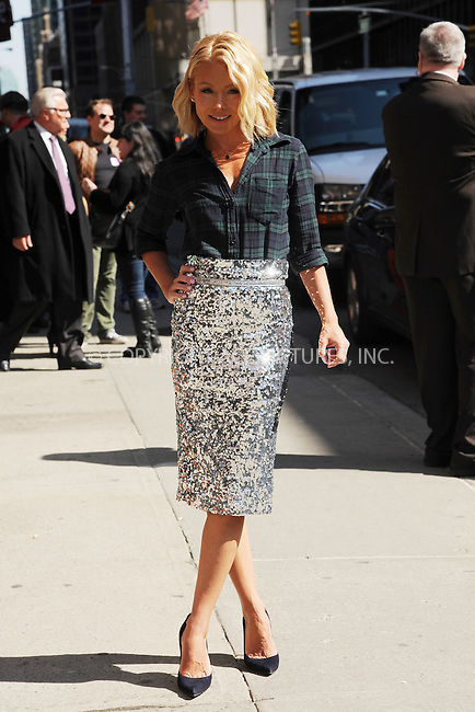 WWW.ACEPIXS.COM <br /> April 2, 2015 New York City<br /> <br /> Kelly Ripa arrives to tape an appearance on the Late Show with David Letterman on April 2, 2015 in New York City.<br /> <br /> Please byline: Kristin Callahan/ACE Pictures  <br /> <br /> ACEPIXS.COM<br /> Ace Pictures, Inc<br /> tel: (212) 243 8787 or (646) 769 0430<br /> e-mail: info@acepixs.com<br /> web: http://www.acepixs.com