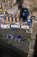 Europe/Italie/Côte Amalfitaine/Campagnie/Env de Sorrente/S. Agnello di Sorrento : La plage