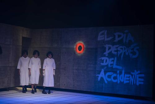 Escena de obra Un pedazo de muñeca de Lilli Jolie dirigida por Licelotte Nin. Foto, Canek Denis.