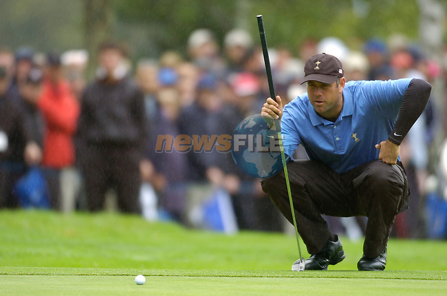 Ryder Cup K Club Straffin Co Kildare..American Ryder Cup Team player Stewart Cink on the 15th green during the morning fourball session of the second day of the 2006 Ryder Cup at the K Club in Straffan, County Kildare, in the Republic of Ireland, 23 September, 2006..Photo: Barry Cronin/ Newsfile.<br />