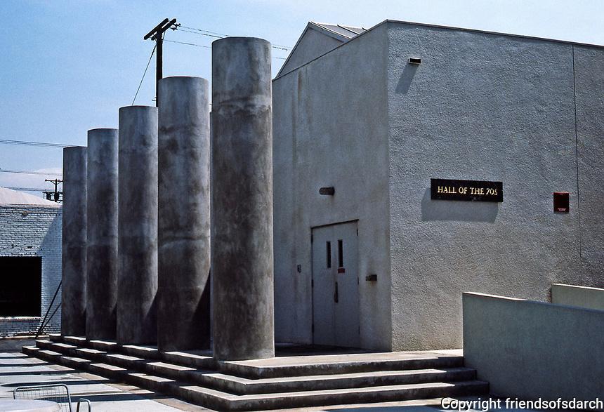 Frank Gehry: Loyola U. Law School-- Hall of the 70's.  Photo Jan. 1987.