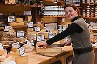 Europe/France/Rhône-Alpes/74/Haute-Savoie/Megève: Sandrine Renault et ses fromage, La Cheminée Mégevanne