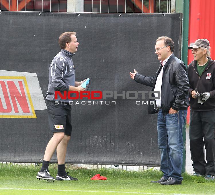 04.09.2015, Stadion an der Wuhlheide, Berlin, GER, 2.FBL, 1.FC UNION BERLIN VS., im Bild Cheftrainer (Head Coach) Sascha Lewandoaski (1.FC Union Berlin)<br /> Org.-Kauf-Leiter  Nico Schaefer (1.FC Union Berlin)<br /> <br />      <br /> Foto &copy; nordphoto /  Engler
