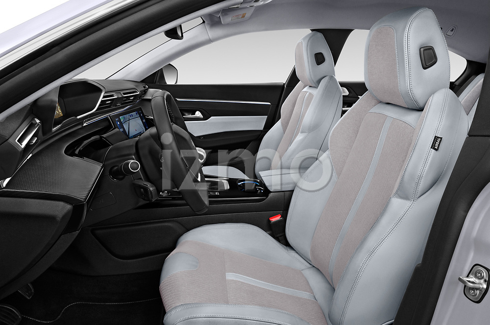 Front seat view of 2018 Peugeot 508 Allure 5 Door Hatchback Front Seat  car photos