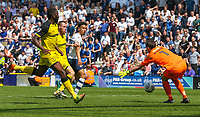 Burton Albion's Stephen Bywater saves from Preston North End's Callum Robinson<br /> <br /> Photographer Alex Dodd/CameraSport<br /> <br /> The EFL Sky Bet Championship - Preston North End v Burton Albion - Sunday 6th May 2018 - Deepdale Stadium - Preston<br /> <br /> World Copyright &copy; 2018 CameraSport. All rights reserved. 43 Linden Ave. Countesthorpe. Leicester. England. LE8 5PG - Tel: +44 (0) 116 277 4147 - admin@camerasport.com - www.camerasport.com
