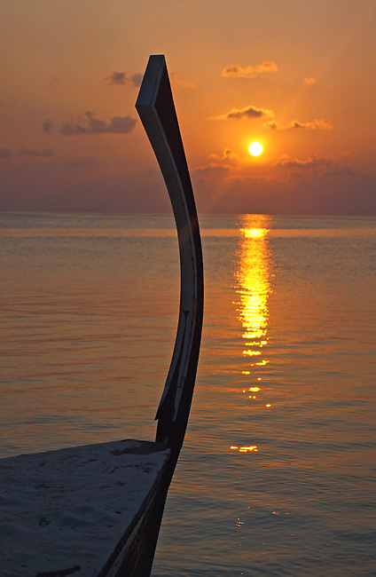 Rihiveli, atoll sud de Male. Coucher de soleil. *** Rihiveli (south male atoll), sunset