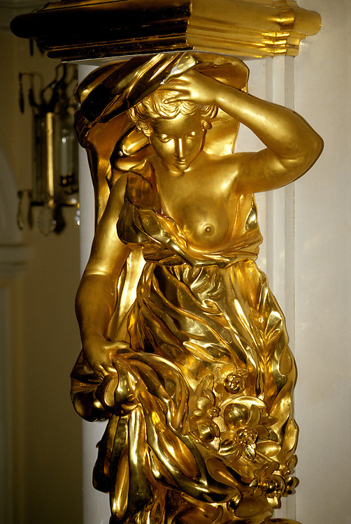 Russia, St. Petersburg, Gilded sculpture, Peterhof, Photo: crubal105   .Photo Copyright: Lee Foster, (510) 549-2202, lee@fostertravel.com, www.fostertravel.com