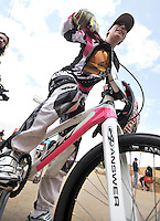 BOGOTA - COLOMBIA - 29-06-2013: Mariana Pajon, campeona Olimpica de BMX, durante competencia en Bogota, junio 29 de 2013. Se realiza en la Unidad Deportiva de El Salitre en la Pista Mario Soto la VI Y VII validas nacionales del Torneo de BMX, con la participación de mas  quinientos deportistas de las diferentes ligas del país, selectivo y preparatorio al Campeonato Mundial UCI BMX con sede en Nueva Zelandia (Foto:VizzorImage / Luis Ramirez / Staff). Mariana Pajon, BMX Olympic Champion during competition in Bogota, June 29, 2013. It takes place in Sports Unit El Salitre, on Track Mario Soto la VI and VII valid BMX National Tournament, with the participation of over five hundred athletes from the different leagues in the country, selective and preparatory to UCI BMX World Championships based in New Zealand  (Photo: VizzorImage / Luis Ramirez