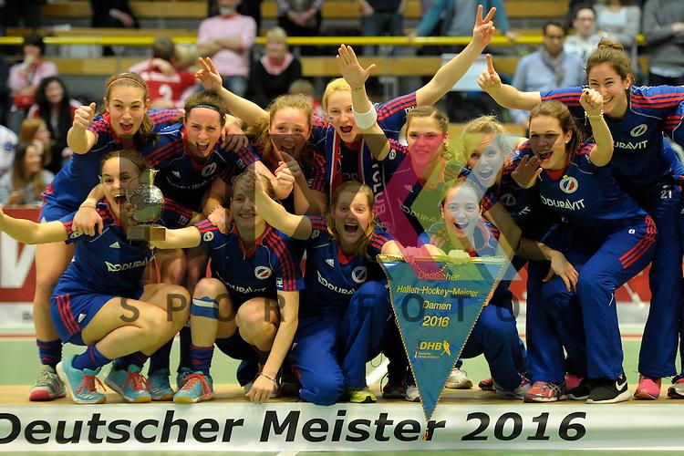 GER - Luebeck, Germany, February 07: During the prize giving ceremony at the Final 4 on February 7, 2016 at Hansehalle Luebeck in Luebeck, Germany. Mannheimer HC receives the winner trophy after defeating Duesseldorfer HC in the final match of the Final4 by 6-4.<br /> <br /> Foto &copy; PIX-Sportfotos *** Foto ist honorarpflichtig! *** Auf Anfrage in hoeherer Qualitaet/Aufloesung. Belegexemplar erbeten. Veroeffentlichung ausschliesslich fuer journalistisch-publizistische Zwecke. For editorial use only.