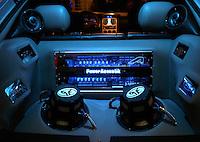 Belo Horizonte_MG, Brasil...Detalhe do sistema de som de um Astra...Detail of a sound equipament of Astra...Foto: LEO DRUMOND / NITRO