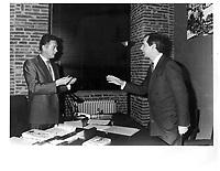 Dominique Baudis, maire de Toulouse reoit Daniel Johnson, ministre de l'industrie du QuŽbec , 8 mars 1988 a l'H™tel de Ville du Capitole, Toulouse, France<br /> <br /> PHOTO :  Ville de Toulouse via Agence Quebec Presse