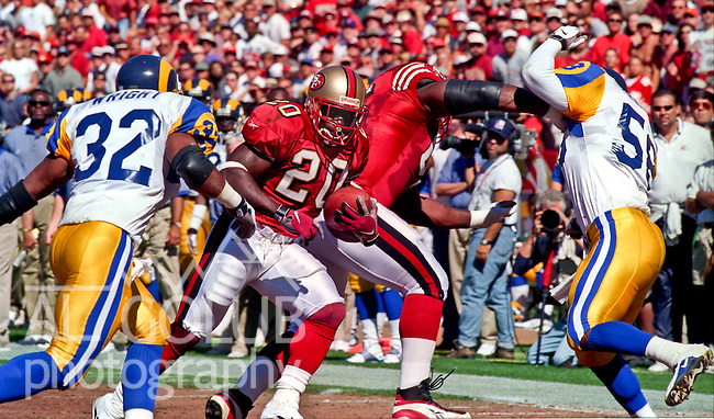 San Francisco 49ers vs. St. Louis Rams at Candlestick Park Sunday, October 12, 1997.  49ers beat Rams  30-10.  San Francisco 49ers running back Garrison Hearst (20).