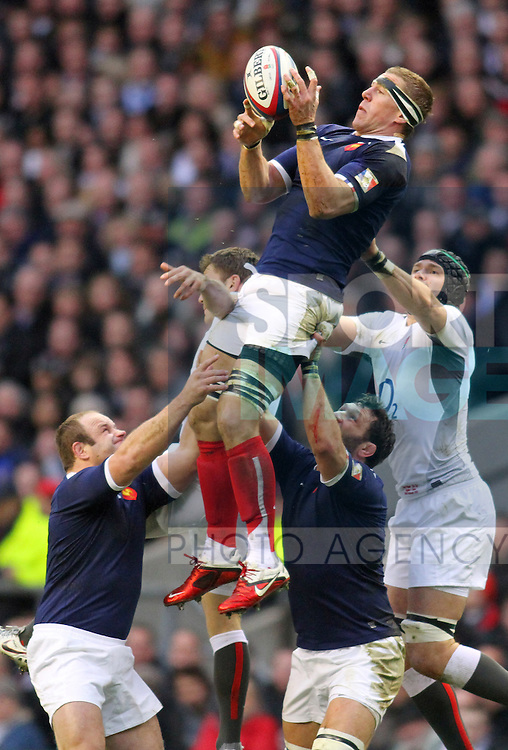 ENGLAND V FRANCE 26/2/11.RBS 6 NATIONS CHAMPIONSHIP Pic:Peter Tarry.Imanol Harinordoquy.
