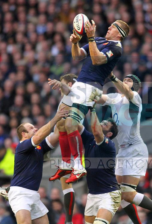 ENGLAND V FRANCE 26/2/11.RBS 6 NATIONS CHAMPIONSHIP Pic:Peter Tarry.Imanol Harinordoquy.