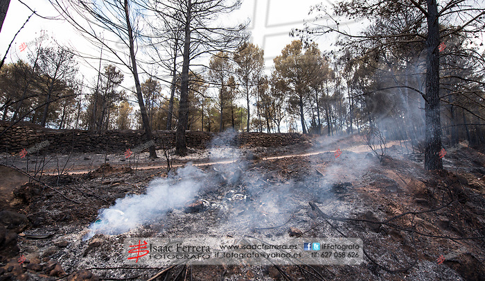 Incendio forestal en Gatova que afecta a Gatova, Altura y Segorbe.<br /> <br /> Wildfire in Gatova that affects Gatova, Altura and Segorbe.<br /> <br /> Jul 1, 2017.<br /> Segorbe, Castellon - Spain.