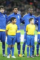 LONDRES, INGLATERRA, 06 DE FEVEREIRO 2013 - AMISOTOSO INGLATERRA X BRASIL - Paulinho (c ) em partida amistosa realizada no Estádio de Wembley, em Londres, Inglaterra, nesta quarta-feira. FOTO: GUILHERME ALMEIDA - BRAZIL PHOTO PRESS.