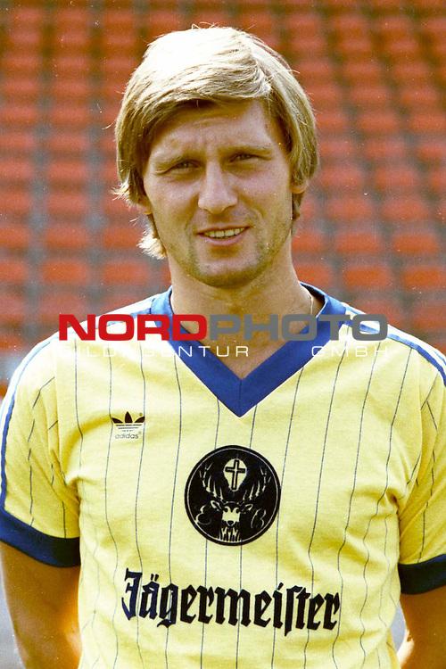 Rust063-10122004_Eintracht Braunschweig Spieler Ronald Worm Serie !983/84<br /> Foto: nph ( nordphoto )