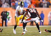 Markus Wheaton #11 of the Pittsburgh Steelers in action against the Cincinnati Bengals during the Wild Card playoff game at Paul Brown Stadium on January 9, 2016 in Cincinnati, Ohio. (Photo by Jared Wickerham/DKPittsburghSports)