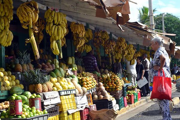 SANTO DOMINGO, RD, Venta de producto alimenticio en el mercado de la Ciudad Ganadera.<br /> Fotos:Cesar de la Cruz<br /> Fecha:19-11-11
