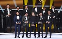 Fussball International  FIFA Ballon d Or   07.01.2013 FIFA FIFPro Team des Jahres 2012; Cristiano Ronaldo (Real Madrid), Marcelo (Real Madrid), Sergio Ramos (Real Madrid), Gerard Pique (Barca), Daniel Alves (Barca), Torwart Iker Casillas (hinten v.li, Real Madrid)  Falcao (Atletico Madrid), Lionel Messi (Barca), Andres Iniesta (Barca), Xavi Hernandez (Barca) und Xabi Alonso (vorn v.li, Real Madrid)