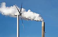 Rookpluim en windmolen