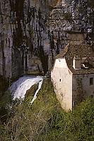 Europe/France/Midi-Pyrénées/46/Lot/Vallée du Célé/Env Cabrerets: Fontaine de la Pescalerie