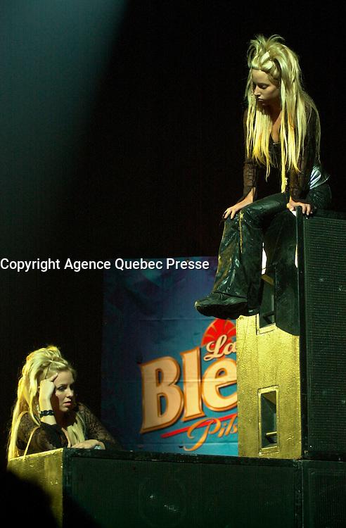 Veronique Cloutier on<br />  the set of LES DANGEREUX, Directed by Louis Saia<br /> <br /> photo : (c)  Images Distribution