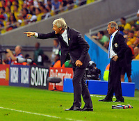 RIO DE JANEIRO - BRASIL -28-06-2014. Jose Pekerman técnico de Colombia (COL) gesticula durante partido de los octavos de final con Uruguay (URU) por la Copa Mundial de la FIFA Brasil 2014 jugado en el estadio Maracaná de Río de Janeiro./ Jose Pekerman coach of Colombia (COL) gestures during the match of the Round of 16 against Uruguay (URU) for the 2014 FIFA World Cup Brazil played at Maracana stadium in Rio do Janeiro. Photo: VizzorImage / Alfredo Gutiérrez / Contribuidor