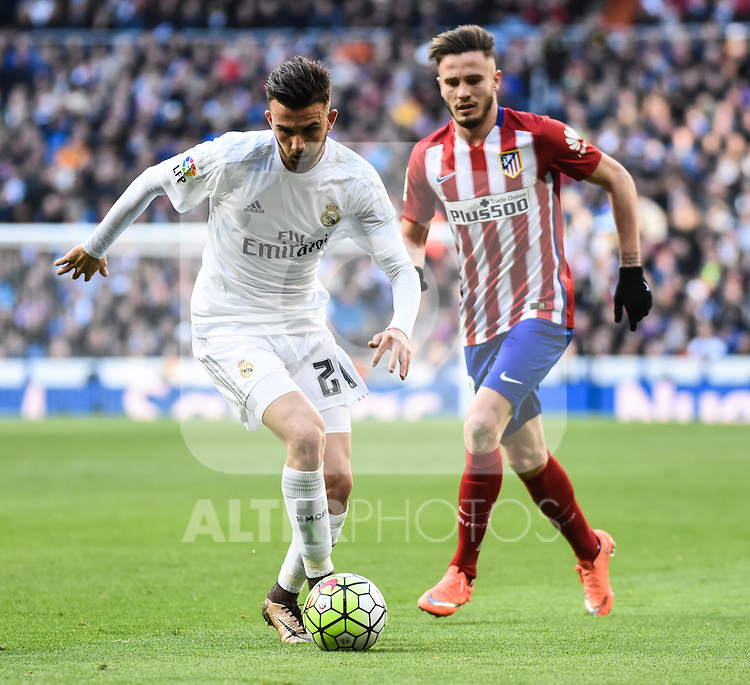 Real Madrid´s Mayoral and Atletico de Madrid´s Toby Alderweireld during 2015/16 La Liga match between Real Madrid and Atletico de Madrid at Santiago Bernabeu stadium in Madrid, Spain. February 27, 2016. (ALTERPHOTOS/Javier Comos)