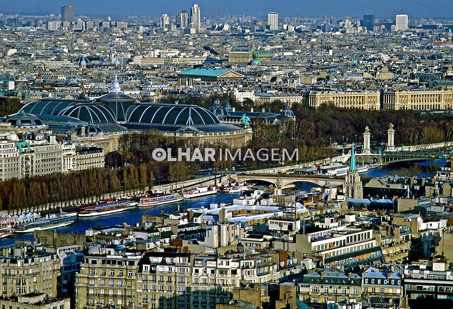 Vista aérea da cidade de Paris. França. 1986. Foto de Nair Benedicto.