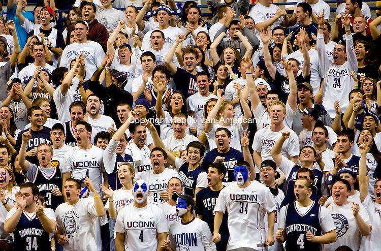 STORRS, CT - 11 FEBRUARY 2009 -021109JT14-<br /> UConn fans cheer towards the end of Wednesday's game against Syracuse at Gampel Pavilion. The Huskies won, 63-49.<br /> Josalee Thrift / Republican-American