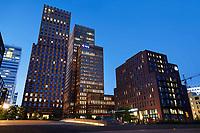 Nederland Amsterdam - September 2018. Hoogbouw aan de Zuidas. In de rechter hoge toren is APG gevestigd . Foto Berlinda van Dam / Hollandse Hoogte