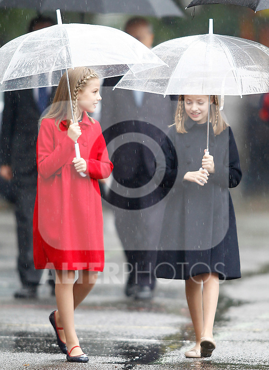 Princess Leonor of Spain (r) and Princess Sofia of Spain attend the National Day military parade. October 12 ,2016. (ALTERPHOTOS/Acero)