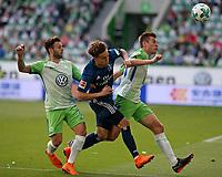 28.04.2018, Football 1. Bundesliga 2017/2018, 32.  match day, VfL Wolfsburg - Hamburger SV, in Volkswagen Arena Wolfsburg.  Renato Steffen (Wolfsburg)  -  Gian-Luca Waldschmidt (Hamburg) and Robin Knoche (Wolfsburg)  *** Local Caption *** © pixathlon<br /> <br /> +++ NED out !!! +++<br /> Contact: +49-40-22 63 02 60 , info@pixathlon.de