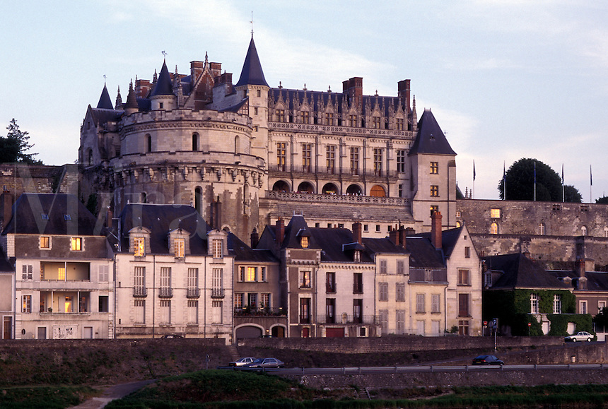 castle, France, Loire Valley, Amboise, Europe, Loire Castle Region, Indre-et-Loire, 15th century Chateau Amboise along the Loire River in the city of Amboise.