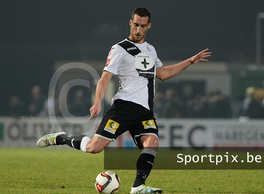 20161217 - ROESELARE , BELGIUM : Roeselare's Baptiste Schmisser pictured during the Proximus League match of D1B between Roeselare and Cercle Brugge, in Roeselare, on Saturday 17 December 2016, on the day 20 of the Belgian soccer championship, division 1B. . SPORTPIX.BE | DAVID CATRY