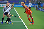 The Hague, Netherlands, June 09: During the field hockey group match (Women - Group A) between The Netherlands and Korea on June 9, 2014 during the World Cup 2014 at Kyocera Stadium in The Hague, Netherlands. Final score 3-0 (1-0)  (Photo by Dirk Markgraf / www.265-images.com) *** Local caption *** Carlien Dirkse van den Heuvel #9 of The Netherlands