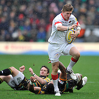Northampton, England. David Strettle of Saracens charges forward during the Aviva Premiership match between Northampton Saints and Saracens at Franklin's Gardens on October 27, 2012 in Northampton, England.