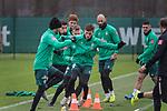 17.01.2020, Trainingsgelaende am wohninvest WESERSTADION,, Bremen, GER, 1.FBL, Werder Bremen Training ,<br /> <br /> <br />  im Bild<br /> <br /> Benjamin Goller (Werder Bremen #39)<br /> Christian Groß / Gross (Werder Bremen #36)<br /> Leonardo Bittencourt  (Werder Bremen #10)<br /> Joshua Sargent (Werder Bremen #19)<br /> Ömer / Oemer Toprak (Werder Bremen #21)<br /> <br /> <br /> Foto © nordphoto / Kokenge