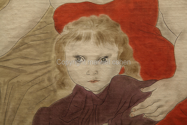 Fillette, L'arrivée des occidentaux au Japon (detail), Tsuguharu Foujita (Leonard Foujita or Fujita, 1886-1968), 1929, huile, toile, feuille d'or, 300cm x 600cm, Maison du Japon, Cite Internationale Universitaire de Paris, France. Photo Manuel Cohen..Girl, Westerners come to Japan (detail), Tsuguharu Foujita (Leonard Foujita or Fujita, 1886-1968), 1929, oil, canvas, golden leaf, 300cm x 600cm, Maison du Japon (Japan House), Cite Internationale Universitaire de Paris, France. Picture by Manuel Cohen. L'autorisation de reproduire cette oeuvre doit etre demandée auprès de l'ADAGP/Permission to reproduce this work of art must be obtained from DACS.