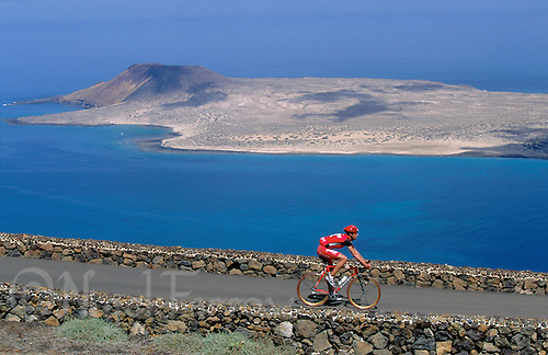 25 MAY 2000 - MIRADOR DEL RIO, LANZAROTE, CANARY ISLANDS - Ironman Lanzarote '00. (PHOTO (C) NIGEL FARROW)