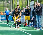 BLOEMENDAAL - Gijs Campbell (Den Bosch)  met rechts coach Eric Verboom (Den Bosch)    tijdens de hoofdklasse competitiewedstrijd hockey heren,  Bloemendaal-Den Bosch (2-1) COPYRIGHT KOEN SUYK